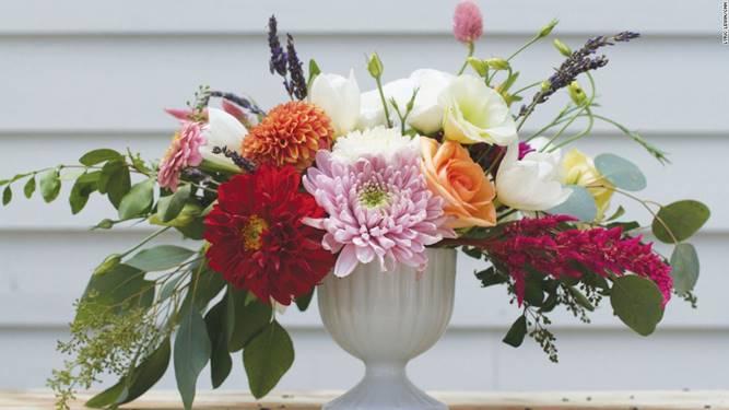 Một bình hoa với nhiều góc độ và hình khối tự nhiên nhất - Dịch vụ hoa tươi Hà Nội