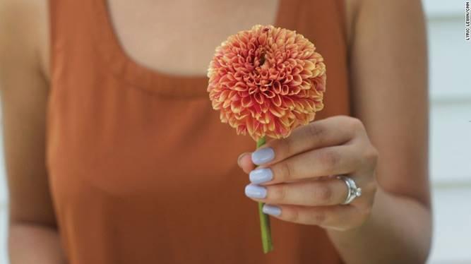 Một bông thực dược kép - Dịch vụ hoa tươi Hà Nội